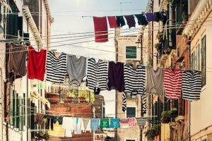 Wäsche draußen trocknen